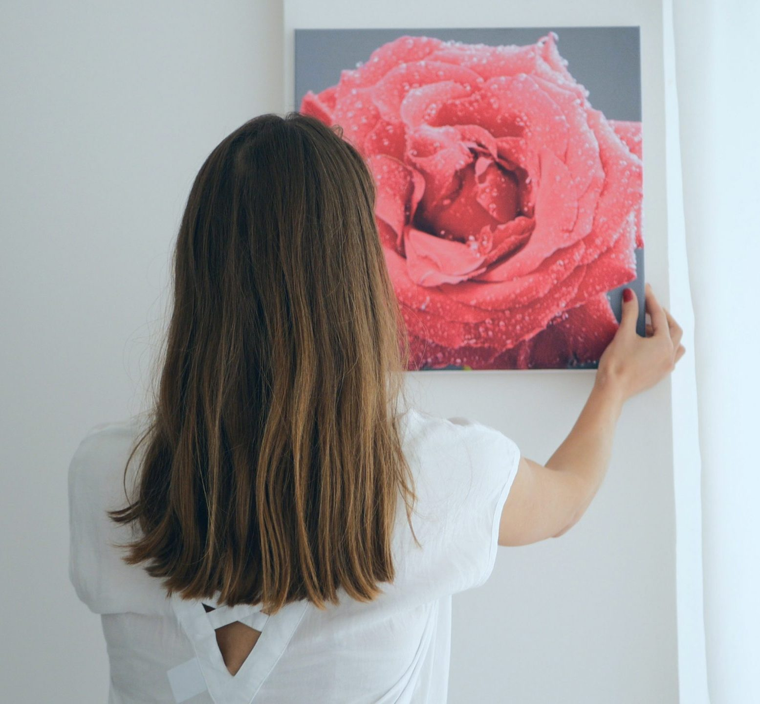 hanging a canvas